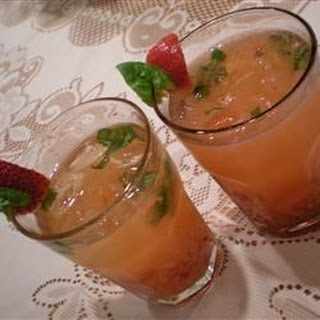 Strawberry-Gin Cocktail.