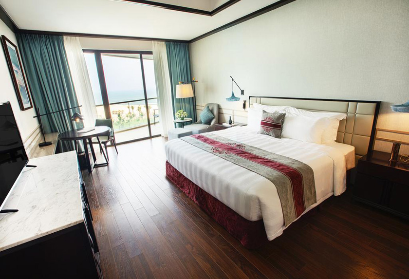 Phòng Deluxe Ocean View Vinpearl Nam Hội An