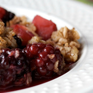 Easy Blackberry Apple Crumble
