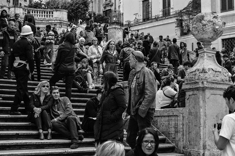 So Small in the Crowd di SaamPhotography