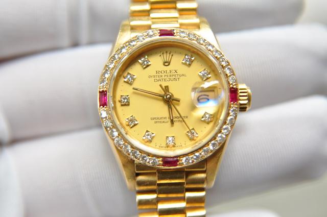 Làm sao cầm đồng hồ rolex an toàn và nhanh chóng?