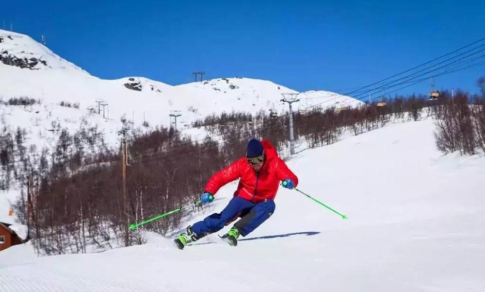 15-extreme-sports-destination-india-Skiing-in-Auli-Uttrakhand-image