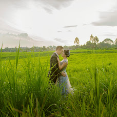 Wedding photographer Ika Wijaya (ikawijayaa). Photo of 15.05.2015