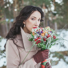 Wedding photographer Alena Gusakova (Alenakzn). Photo of 24.11.2014