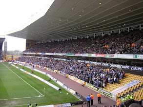 Photo: .... de Ipswich-supporters hadden de hele onderste lange zijde ....