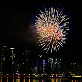 Vodafone's fireworks display. by Marlon Diwata - City,  Street & Park  Vistas