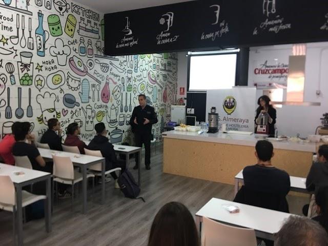 evento Robot Coupé a cargo de David Frean con la organización de Jocafri, centro de hostelería, en el IESAlmeraya