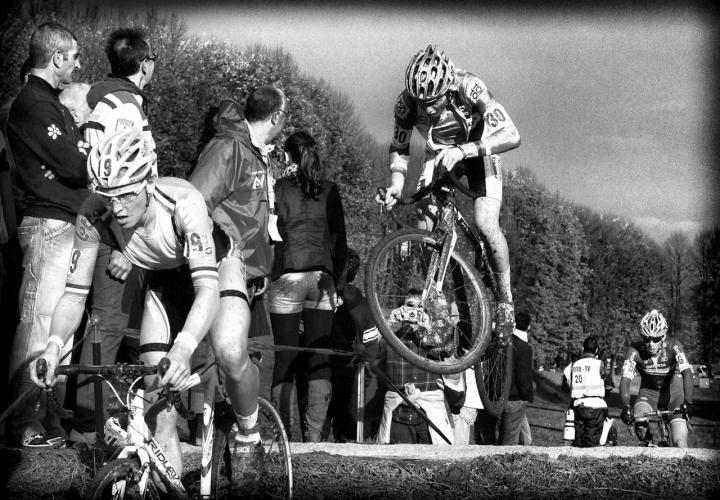 BikeJumping di marco pardi photo