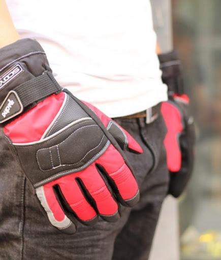 Găng tay moto đến từ thương hiệu uy tín