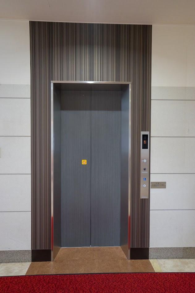 ワイヤー式エレベーター