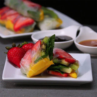 Fruit Spring Rolls Are a Fresh Breakfast or Snack Idea