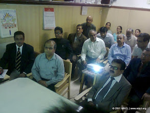 Photo: Website demonstration by Shri. Shailesh Ashtekar, General Manager, MKCL to the Dignitories