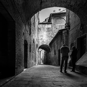 Shouldn't you stop? by Rob Menting - City,  Street & Park  Street Scenes ( italy, siena )