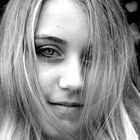 by Cindy Walker - Novices Only Portraits & People ( girl, closeup, portrait )
