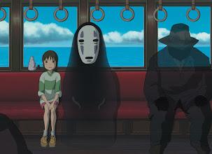 """Photo: Plano do filme """"A Viagem de Chihiro""""."""