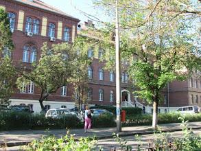 Photo: Nr.4 - Casa Invatatorului  Construita in 1902-1903; A fost camin pentru elevi si studenti, spital militar, a devenit proprietatea institutului de studii economice. Din 1990 s-a mutat aici si Inspectoratul Scolar (2011.06.14)