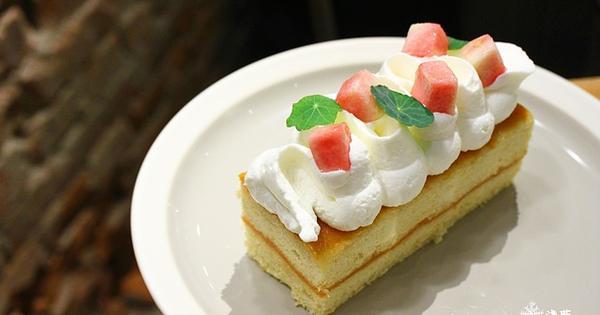 Heritage Bakery & Cafe~必點招牌紅心芭樂蛋糕,免費wifi插座不限時
