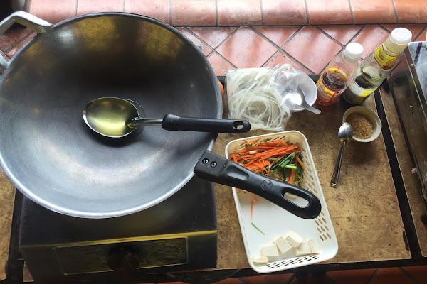 Prepare the ingredients and cooking utensils