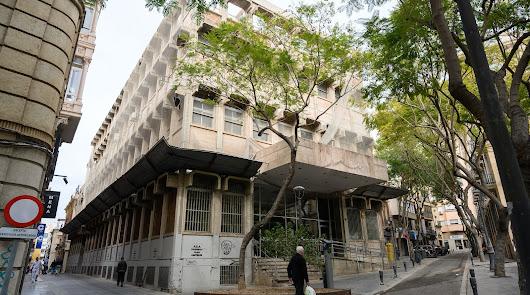 Correos analiza la oferta municipal para la compra del edificio del centro
