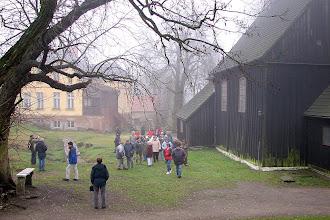 Photo: Uczestnicy Zlotu przy odkopanym fragmencie fundamentów wcześniejszego kościoła grodowego