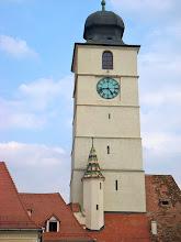 Photo: Iglesia Católica en la Plaza Mayor - Sibiu - Rumania