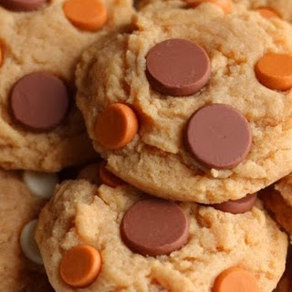 Cake Boss Peanut Butter Chocolate Chip Cookies.