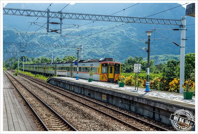 山里車站列車