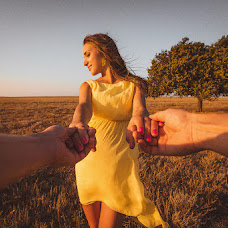 Wedding photographer Reshat Aliev (ReshatAliev). Photo of 10.12.2013