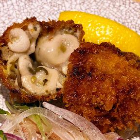 銀座でもっとも絶品なカキフライに恋をした / 立ち飲み居酒屋・銀座魚勝で職人の揚げたてを食べる