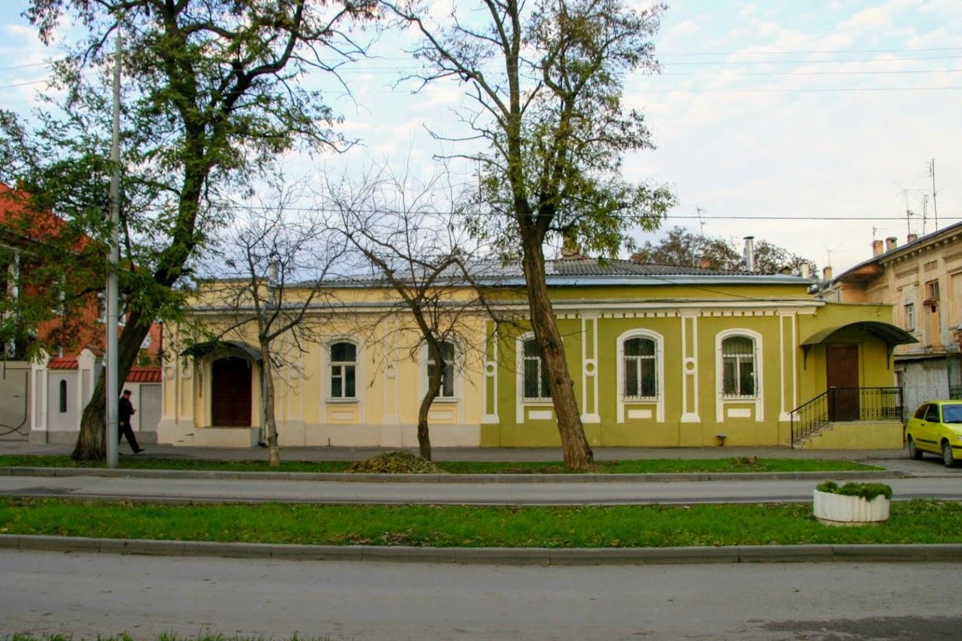 https://sites.google.com/site/istoriceskijtaganrog/frunze-ulica/dom-6