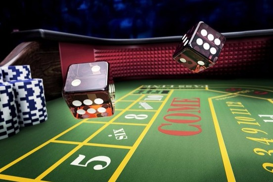 However, you also need to know that online casinos make lots of money from online slots. It has been proven that up to 70% of the online casino's profits usually come from the machines, but this does not mean that there are no handy techniques you should consider when playing.