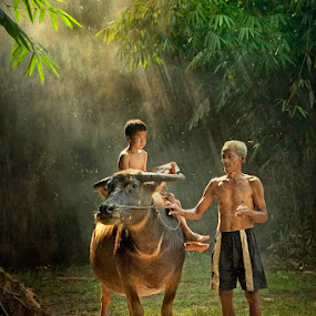 A Child and his Grandpa by Jeffry Surianto - Babies & Children Children Candids (  child, people,  grandfather )