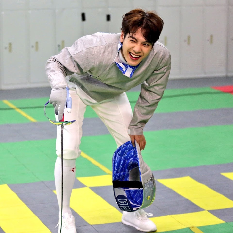 1614376195-jackson-wang-hong-kong-fencing