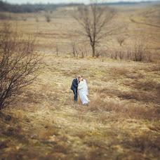 Wedding photographer Varvara Lomancova (VarvaraL). Photo of 15.04.2013