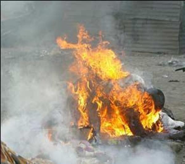 images-uniport_students_burnt_alive2_858646217