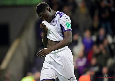 Anderlecht hoopt dan toch nog centrale verdediger te houden en heeft mogelijk oplossing voor overbodige speler