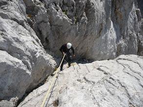Photo: Colocando las cuerdas en la primera bajada en rápel