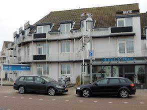 Photo: We hebben een leuk appartementje in dit hotel in Egmond aan Zee.