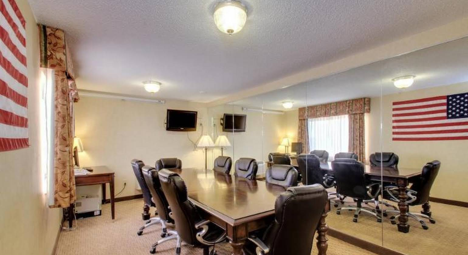 Baymont Inn and Suites Fort Dodge