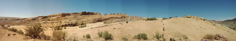 Photo: Panoramic shot of Delicate Arch and surrounding area.