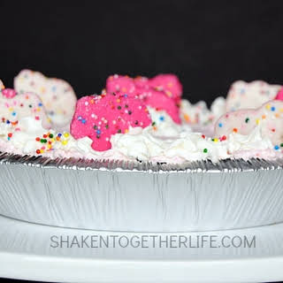 Circus Animal Cookie Cheesecake Pie {No Bake!!}.