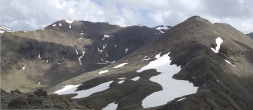 Photo: El Cim de Roca Blanca (2.784 m) vist des del Pic de Fontnegra