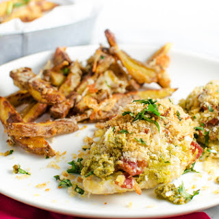 [ad] Pesto and Bacon crusted Chicken Breast with Potato Fries
