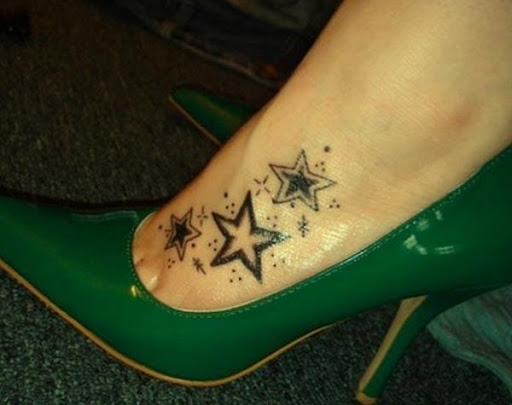 無料生活Appの女性の足のタトゥーのデザイン|記事Game