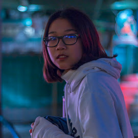 Night life. by Alvin Chen - Novices Only Portraits & People ( city life, urban exploration, seattle, portrait, colorful, night photography )