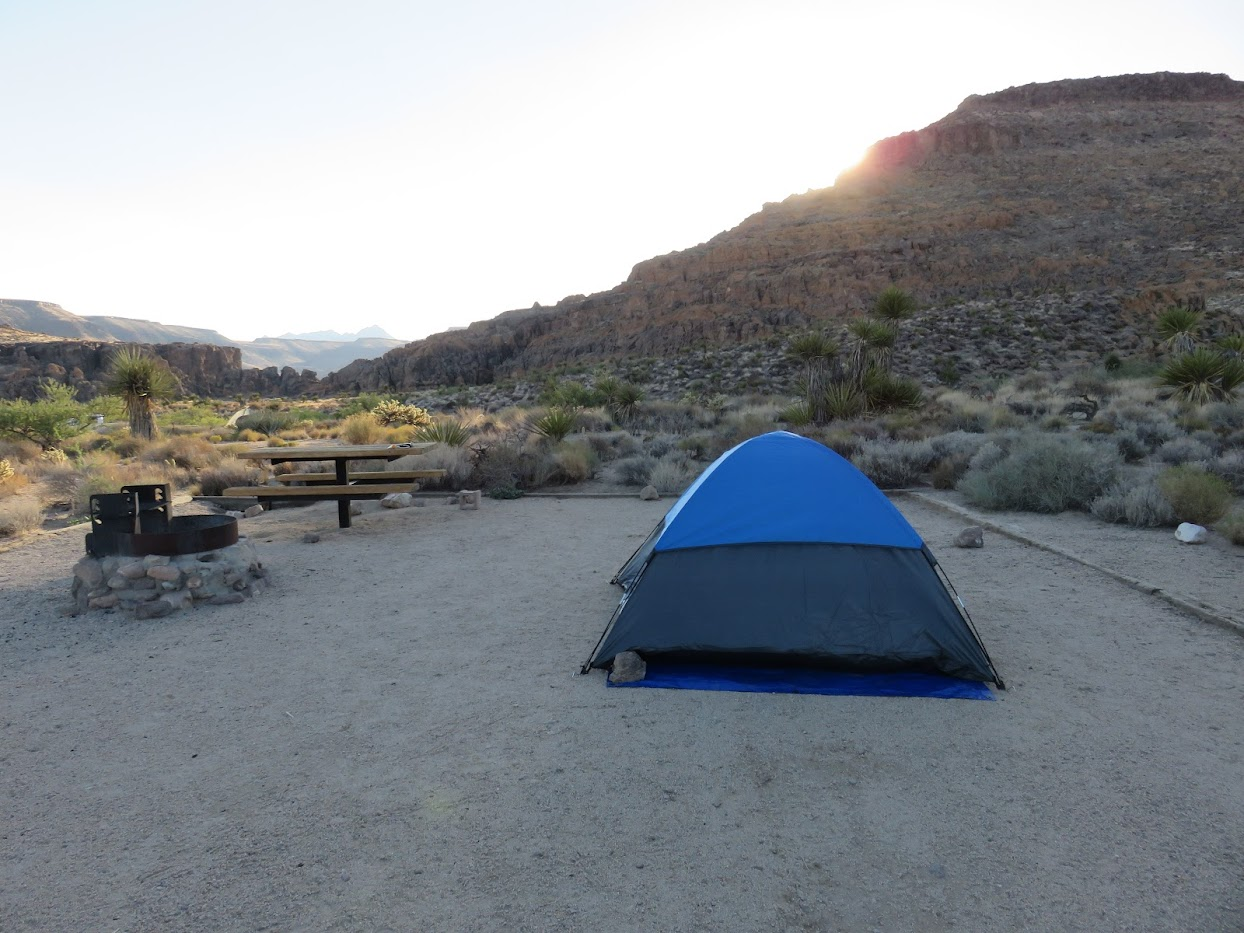 hole-in-the-wall campground camping mojave national preserve