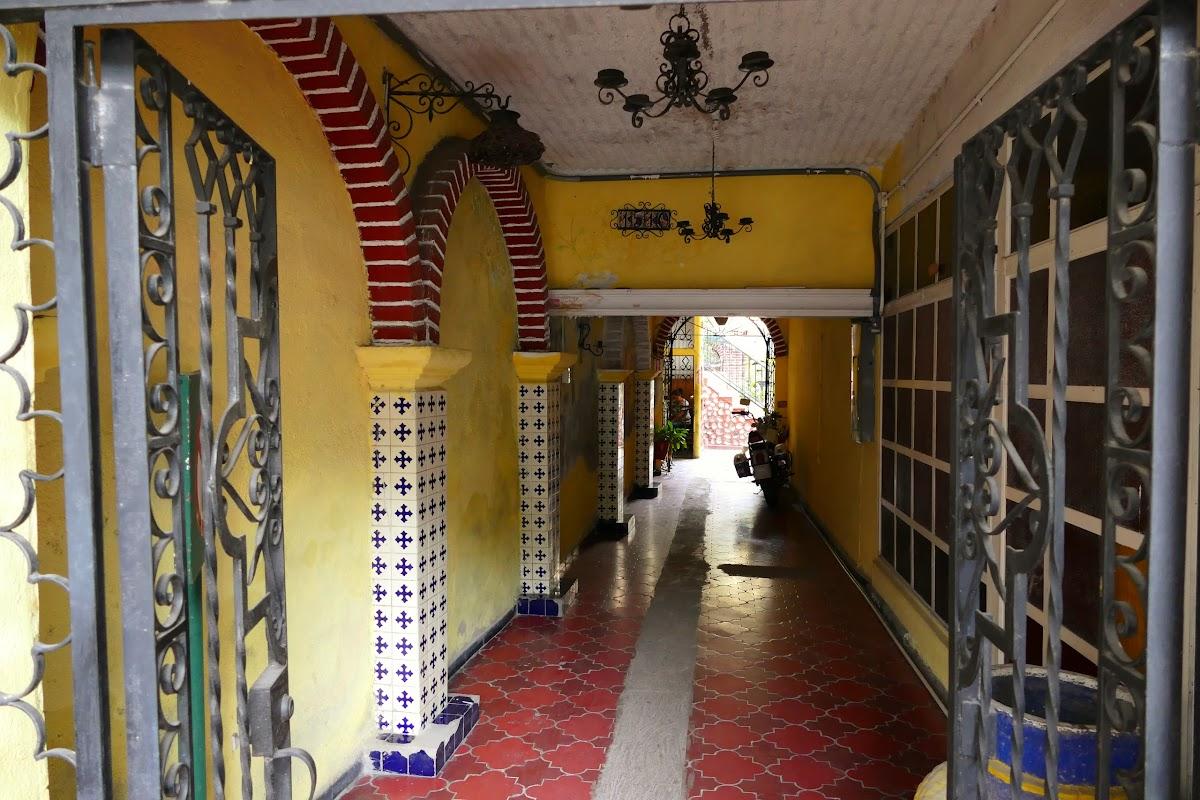 Ceramic entrance