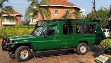 Photo: Tällä Magic Safarin autolla liikuimme niin Ruandassa kuin Ugandassa