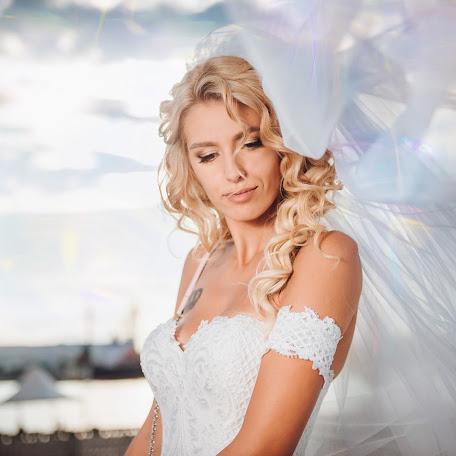 Wedding photographer Petia Emilova (smailka). Photo of 11.01.2018