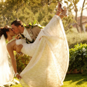 In your arms by Scott Nelson - Wedding Bride & Groom
